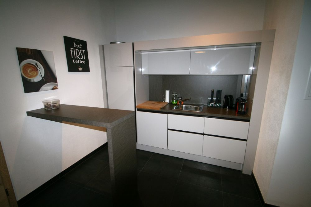 dan k chen wei hochglanz. Black Bedroom Furniture Sets. Home Design Ideas